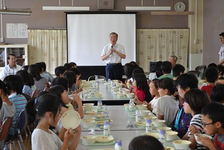 松江市長から児童へ